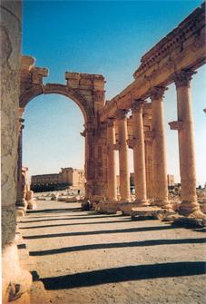 voyage en Syrie : rue romaine à Palmyre